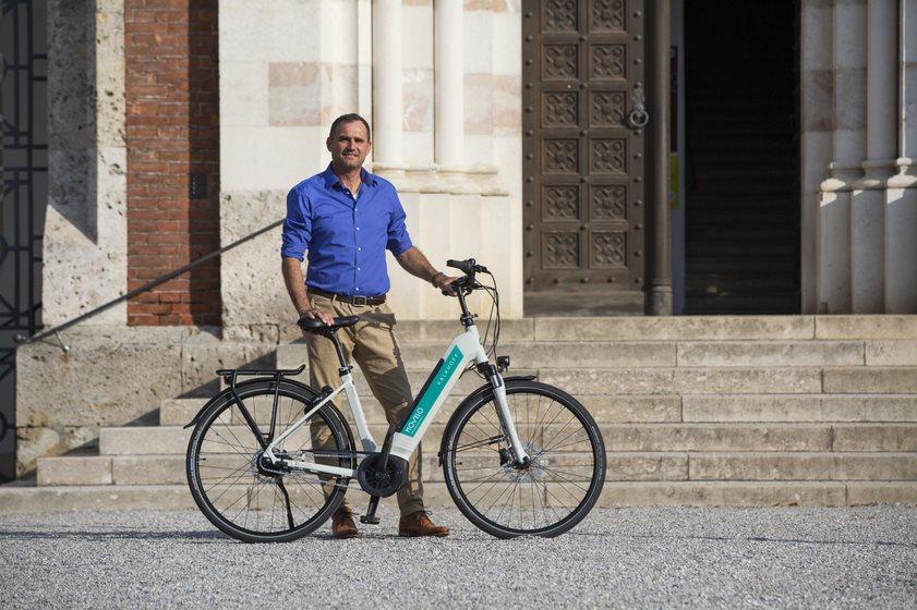 Nachhaltige Mobilitätsoffensive von movelo: E-Bike-Fahrer pflanzen 7.500 Bäume