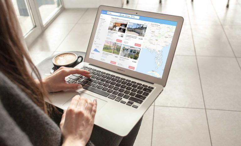 """Verbraucher haben gewählt: Ferienhaus-Suchmaschine Holidu gehört zu """"Deutschlands Besten Online-Portalen 2021"""""""