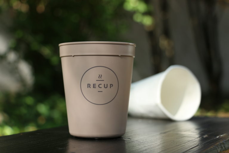 Für den Kampf gegen Einwegplastik: RECUP/REBOWL erhält den European Reusable Award 2021